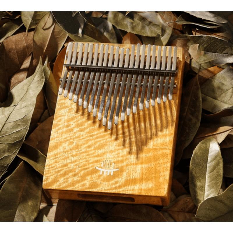 Hluru 21 /17 Keys Thumb Piano | Phoebe Zhennan Wood